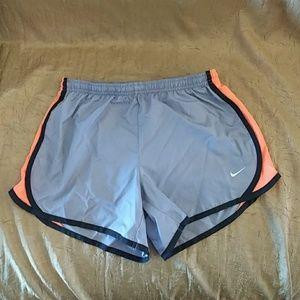 Nike Tempo Shorts Youth Large